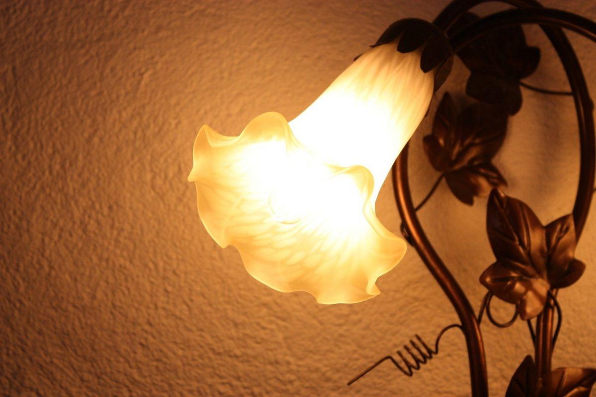 Jak zaplanować oświetlenie ścienne?